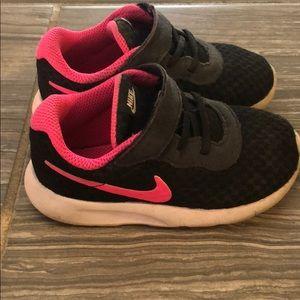 Nike toddler girl sneaker size 7C